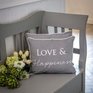 6 Dove love & happiness cushion