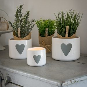 29 White heart decal pots